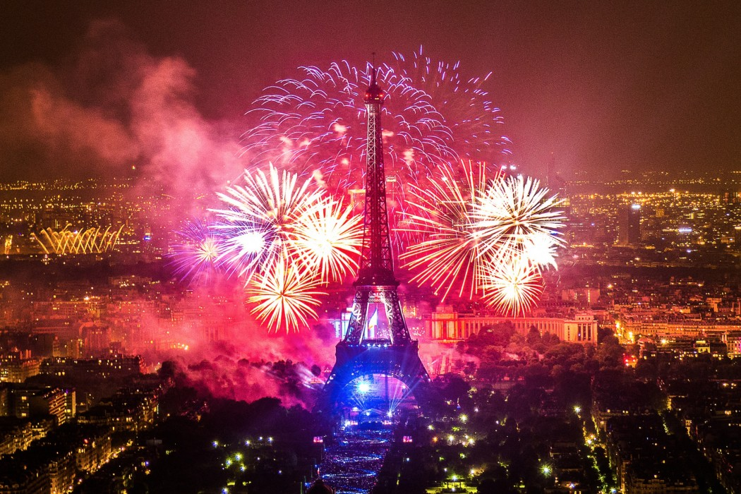 Feu-artifice-Paris-Tour-Eiffel-2013-1