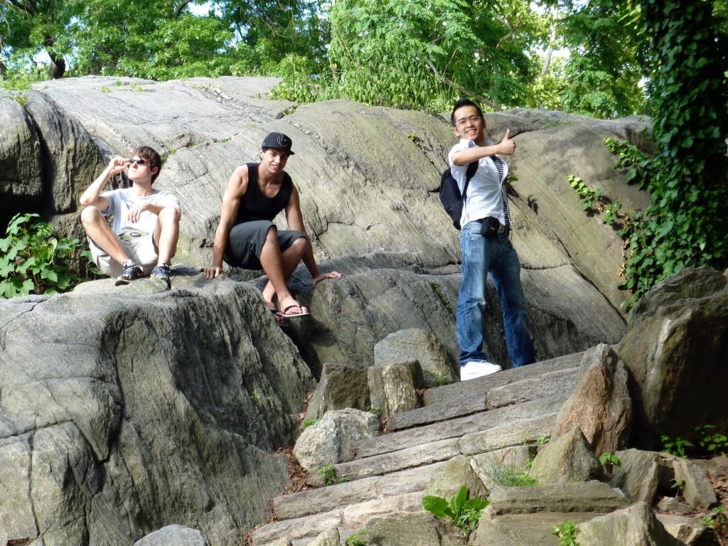 Un Belge, Un Brésilien et un Français d'origine Vietnamienne dans Central Park à New York