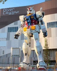 29 - statue Gundam_8x10-min