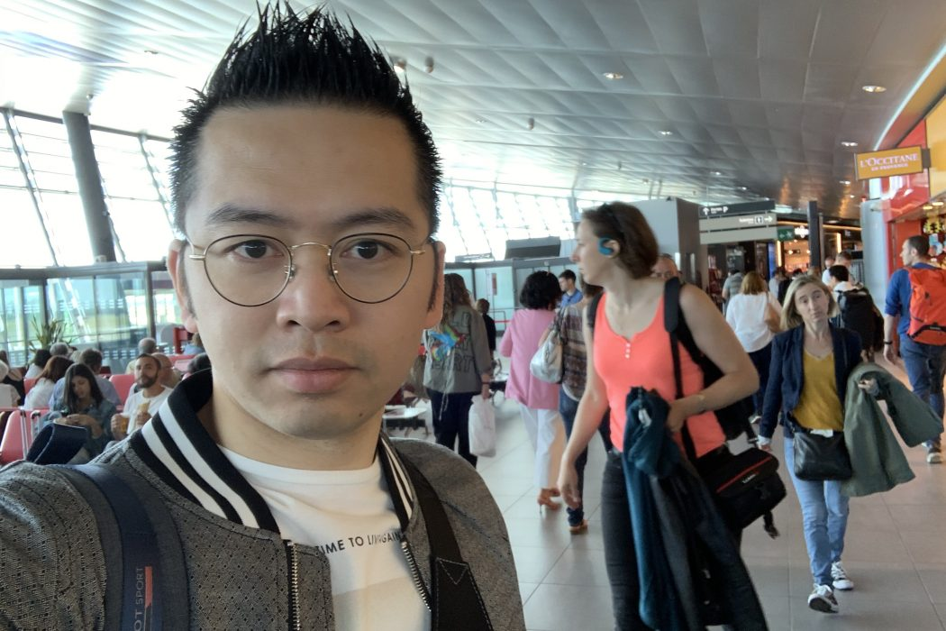 David-Minh TRA à l'aéroport