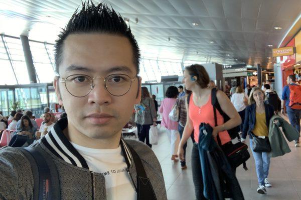 David-Minh TRA à l'aéroport