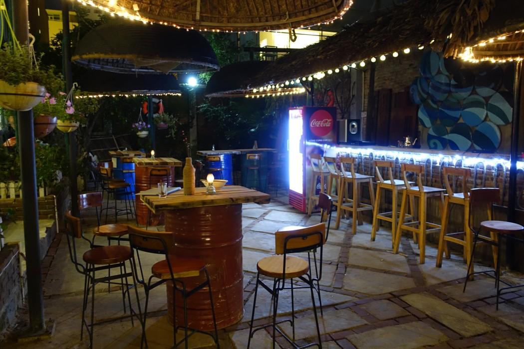 Le bar au rez-de-chaussée